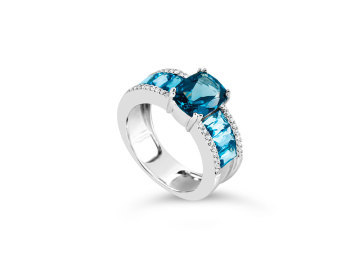 White Gold ring set with Blue Topaz and diamonds.
