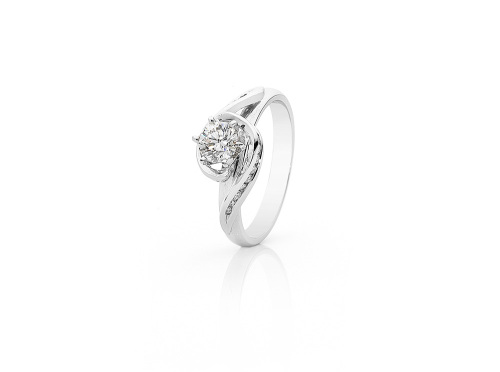 Twisted Solitaire Diamond Engagement ring